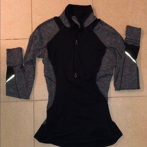 Lululemon half zip pullover size 4